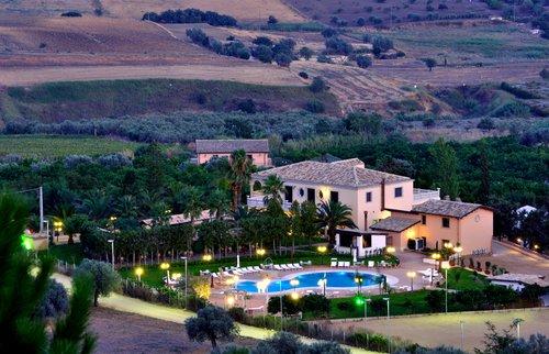 Agriturismo in provincia di caltanissetta - Agriturismo in sicilia con piscina ...