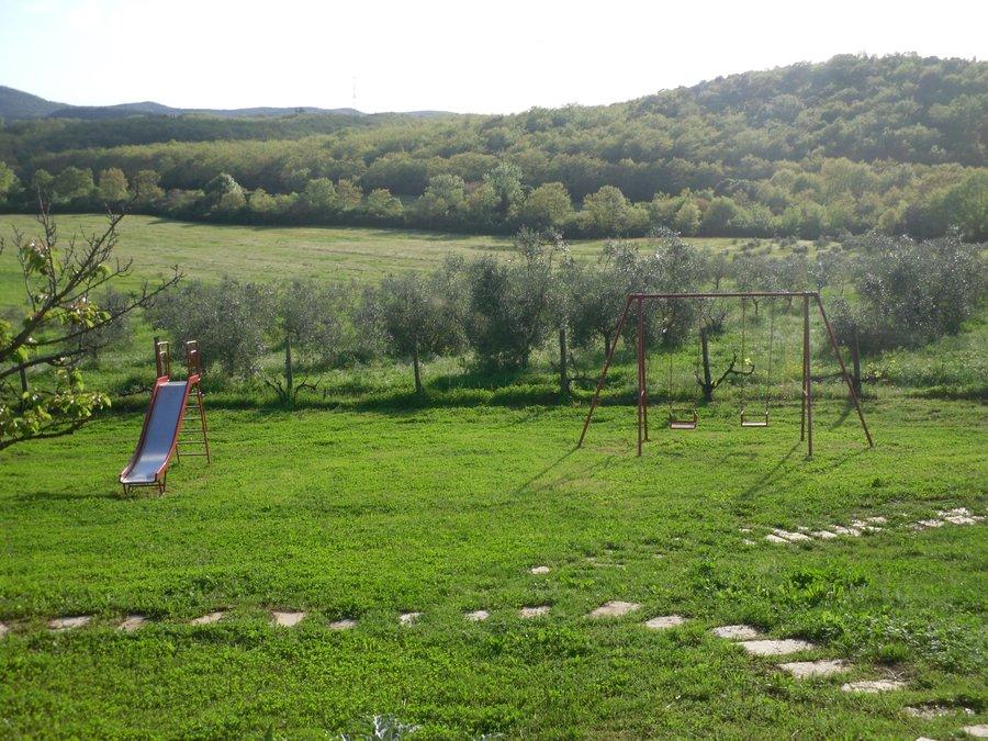Agriturismo borgognano farm house massa marittima for Farmhouse with swimming pool