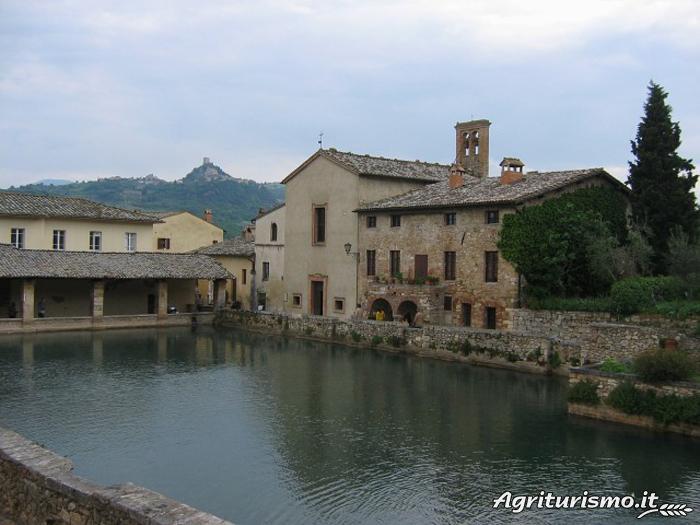 Agriturismo sant 39 ansano a pienza siena toscana - Agriturismo bagno vignoni terme ...