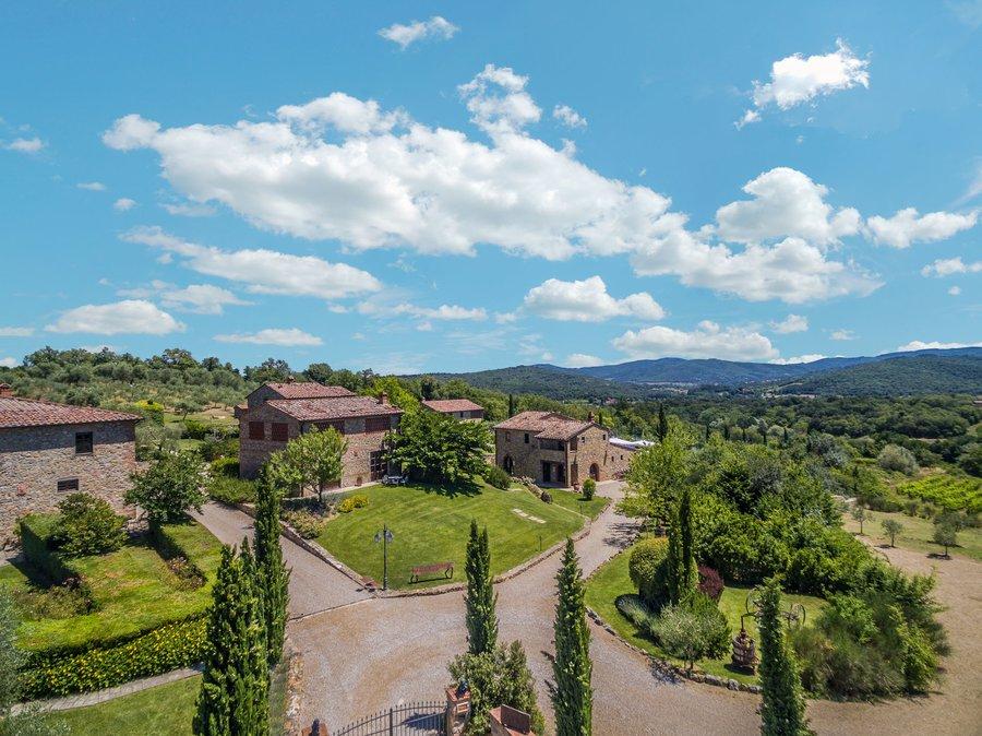Agriturismo Poggio Cennina A Bucine Arezzo Toscana