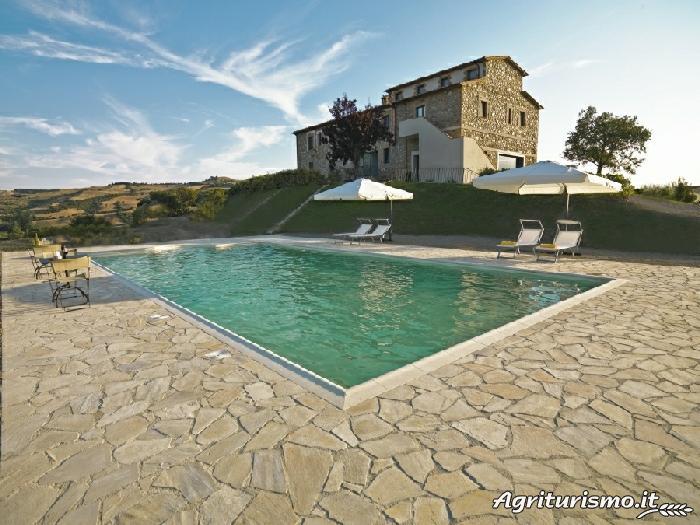 Agriturismo poderi firenze a arcidosso localit l - Agriturismo napoli con piscina ...