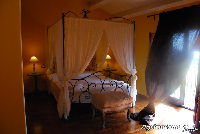 preise und unterk nfte bauernhof tenuta edon bauernhof in graniti messina. Black Bedroom Furniture Sets. Home Design Ideas