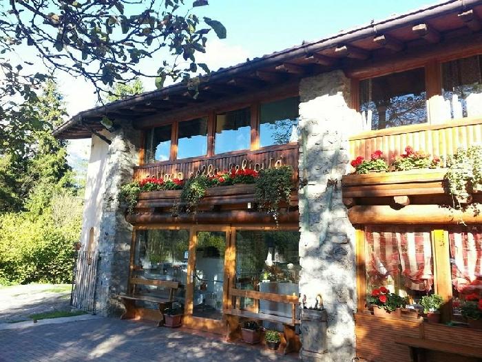 Ristorante agriturismo fattoria della felicit a onore for Piani di fattoria con foto