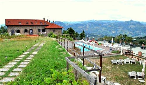 Agriturismo langhe e roero - Agriturismo con piscina in piemonte ...