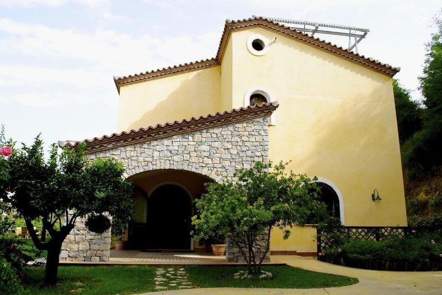 Agriturismo l 39 arca di anna brambilla a belvedere marittimo for Arredamento ristorante rustico