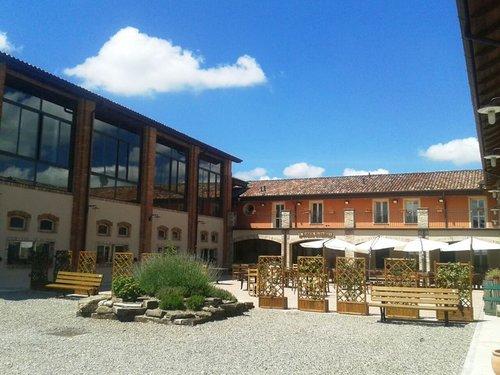 fbbcaf5b9976 Location matrimoni a Piacenza in agriturismo