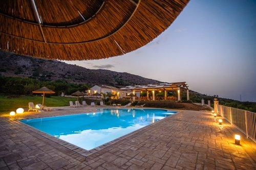 Agriturismo sicily farmhouse and agritourism in sicilia - Agriturismo in sicilia con piscina ...