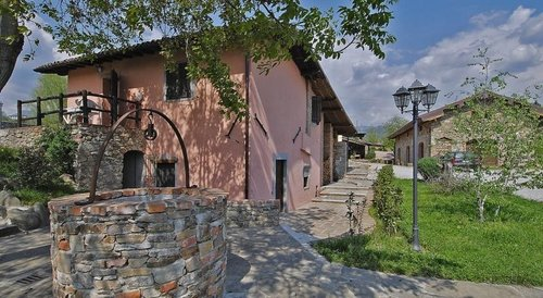 Accommodation Gorgeous farmhouse with swimming pool in the Garfa