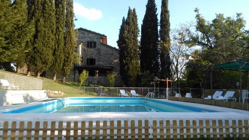 Ancient Independent farmstead with park and lakefront pool - Sansepolcro