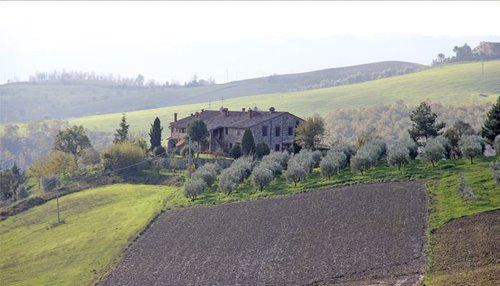 Accommodation Independent farmstead between Umbria and Tuscany