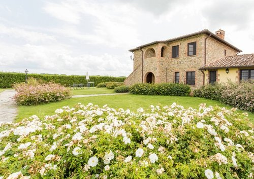 Accommodation Farmhouse near the Trasimeno Lake,between Umbria a