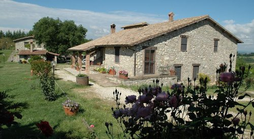 Agriturismo in Umbria with restaurant 0 km - Montecchio