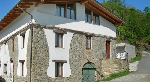 Accommodation Deep in the green Ligurian and Piedmontese hills