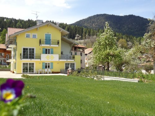Farm B & B in Trentino - Brez