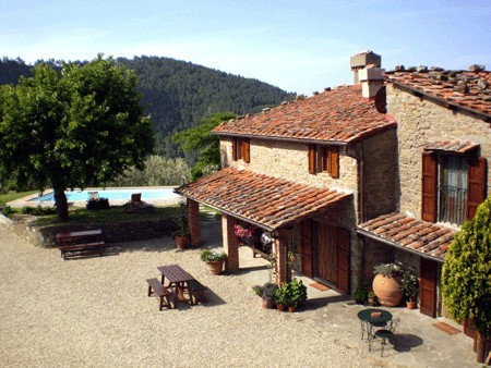 Accommodation Stone farmhouse with private pool 30 km from Flore