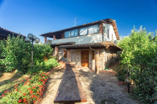 Farm Holidays: apartments and pool in Chianti - Bucine