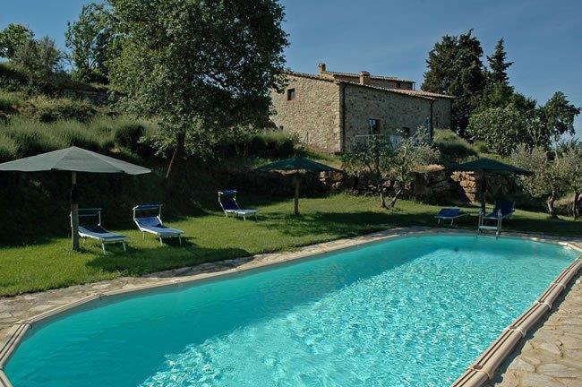 Agriturismo casa colonica composta da 3 appartamenti con - Agriturismo siena con piscina ...
