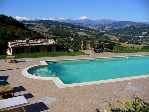 Farmhouse surrounded by nature with pool and jacuzzi - Montalto delle Marche