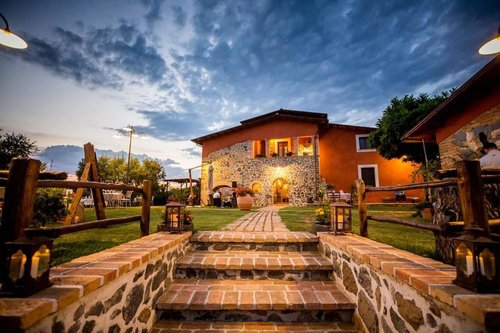 Charming holiday in Farmhouse with Restaurant - Pofi