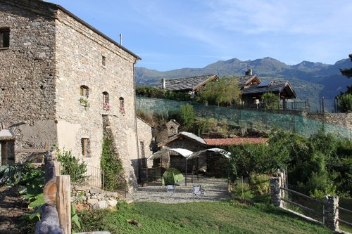 Accommodation Historical house of 1700 at the foot of the Gran P