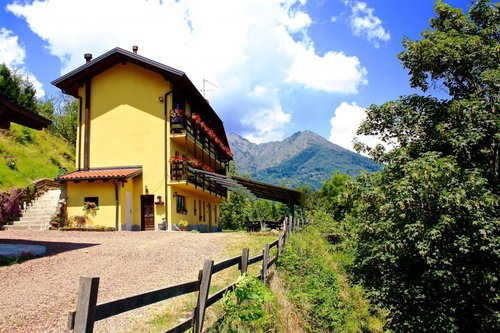Farmhouse set in the woods of Sessera Valley - Biella