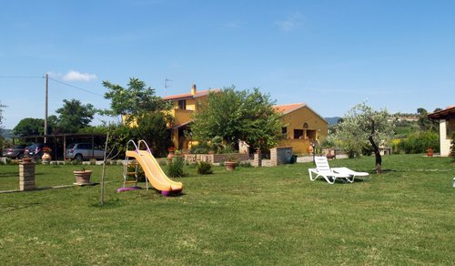 Accommodation apartments in the countryside near the sea