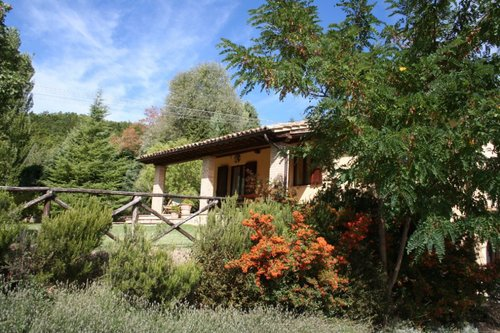 Accommodation Independent farmhouse in the hills of Assisi