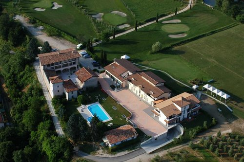 Near Garda lake, golf and nature - Salò