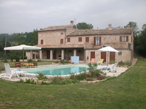Accommodation Farmhouse with pool and garden