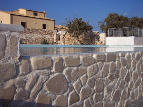 Farmhouse surrounded by vineyards. For nature lovers - Noto