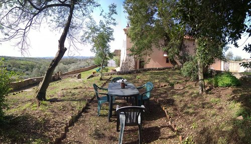 An old rural farmhouse in the hills of Montalbano - Lamporecchio