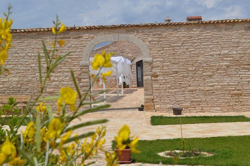 Ancient farmhouse with restaurant - Andria
