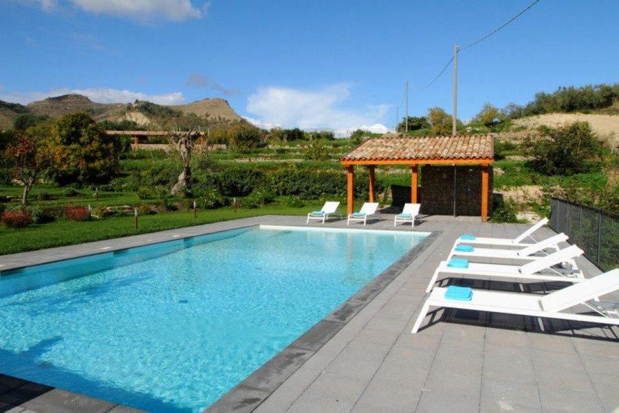 Agriturismo villa vacanze con piscina privata a centuripe - Agriturismo con piscina basilicata ...