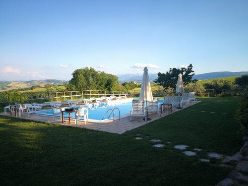 Rural house with panoramic swimming pool and stunning views - San Severino Marche