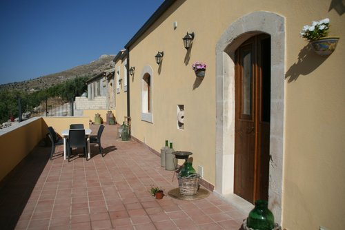 Farmhouse in hill with panoramic view - Avola