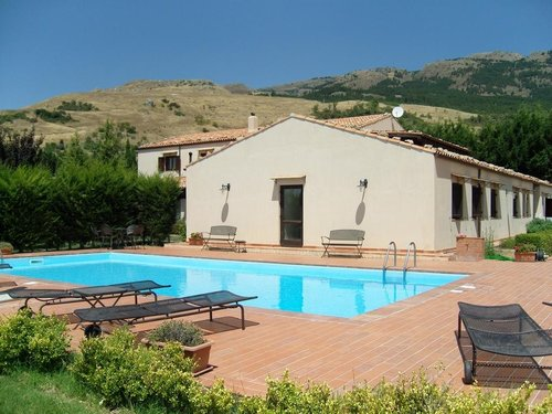 Stays relaxing in farmhouse with pool and restaurant - Castellana Sicula