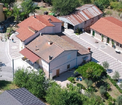 Organic Farm with Typical Restaurant - Montecalvo Irpino