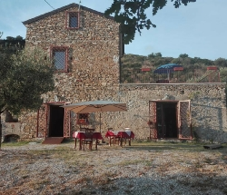 Old farmhouse on panoramic hill entirely on the sea - Ascea