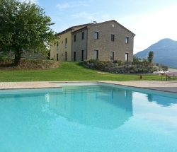 Amico Country House - Serra San Quirico