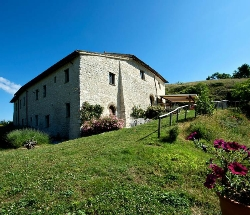 Farmhouse with Apartments - Foligno