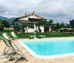 Casale just 5 km from Spello with swimming pool - Spello