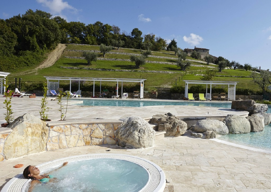 Agriturismo agriturismo con piscina panoramica e jacuzzi riscaldata a arcidosso grosseto - Agriturismo con piscina toscana ...
