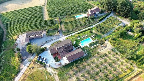 Farm located in the hills of Piemonte - Gavi