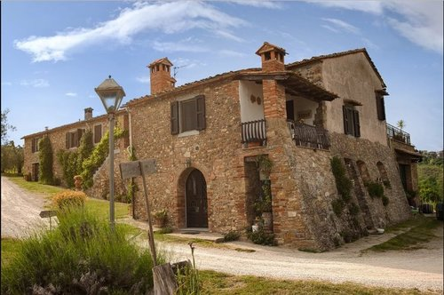 Ancient Tuscan farmhouse surrounded by vineyards and olive groves - Barberino Val d'Elsa