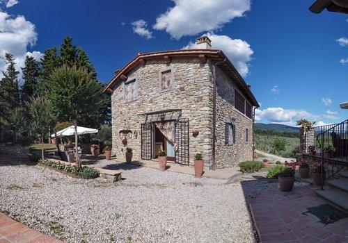 due comodi appartamenti in caratteristico fienile in pietra bagno a ripoli