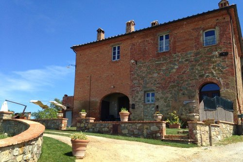 Experience Tuscany's true essence in a real farmhouse - Lucignano