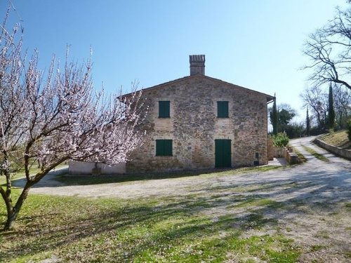 Apartments in stone farmhouse, with swimming pool - Bevagna