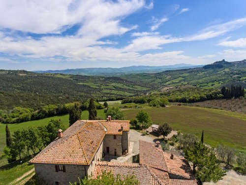 A farmhouse in the Orcia Valley, with breathtaking views - Castiglione d'Orcia
