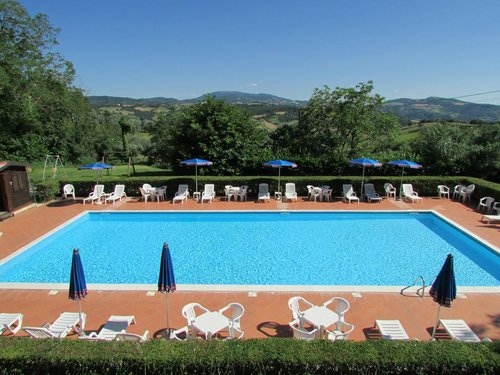 Holiday Rentals with pool near Assisi, Perugia and Gubbio - Valfabbrica