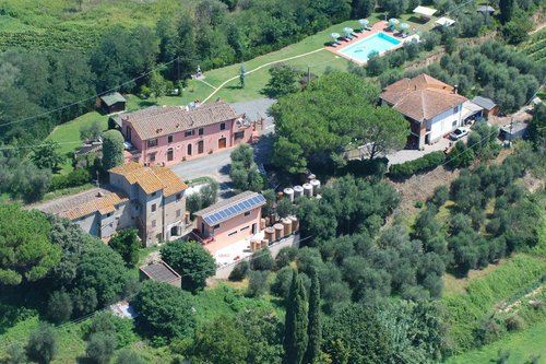 Typical farmhouse with tasting room, restaurant and swimming pool - Terricciola